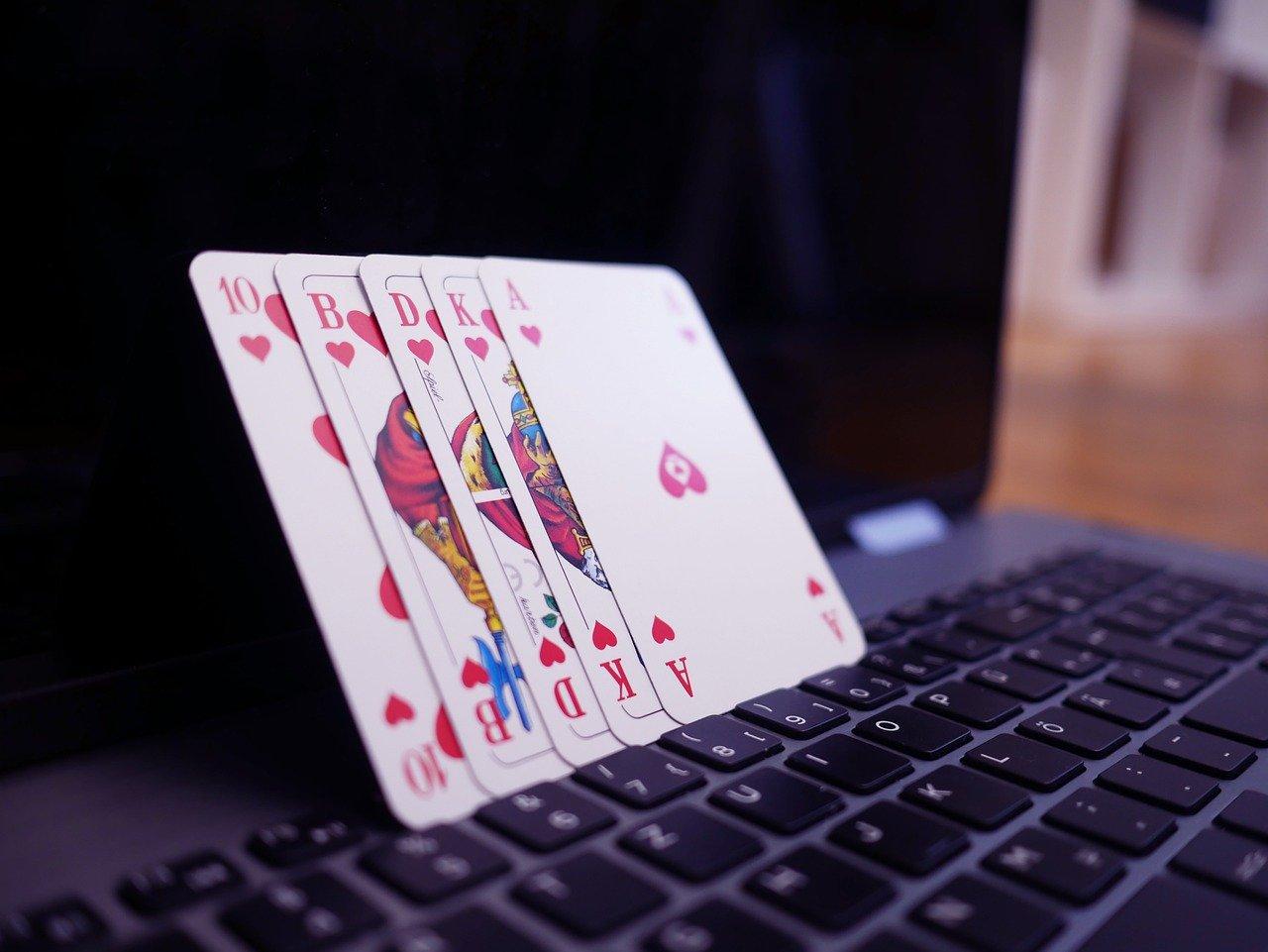 Sådan passer du på dig selv når du spiller online